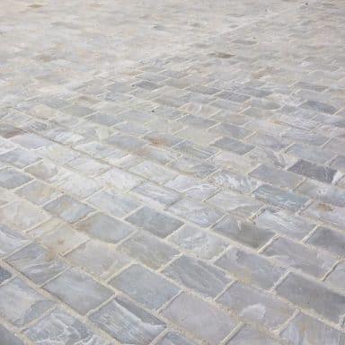 Pavé en pierre naturelle grès gris